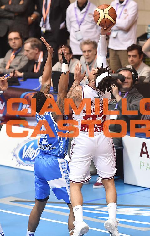 DESCRIZIONE : Final Eight Coppa Italia 2015 Finale Olimpia EA7 Emporio Armani Milano - Dinamo Banco di Sardegna Sassari<br /> GIOCATORE : Daniel Hackett<br /> CATEGORIA : tiro penetrazione<br /> SQUADRA : EA7 Emporio Armani Olimpia MIlano<br /> EVENTO : Final Eight Coppa Italia 2015<br /> GARA : Olimpia EA7 Emporio Armani Milano - Dinamo Banco di Sardegna Sassari<br /> DATA : 22/02/2015<br /> SPORT : Pallacanestro <br /> AUTORE : Agenzia Ciamillo-Castoria/A.Scaroni<br /> GALLERIA : Lega Basket A 2014-2015<br /> FOTONOTIZIA : Final Eight Coppa Italia 2015 Finale Olimpia EA7 Emporio Armani Milano - Dinamo Banco di Sardegna Sassari<br /> PREDEFINITA :