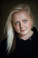 .Amelia. Sunne, juni 2012...?Jag är egentligen röd. Först gjorde jag det svart och så tänkte jag att jag kör på en sådan där blondie ett tag. Jag har hört att blondiner har mer kul. Men nej. Och nu så blir jag lite stämplad som dum ibland, på skämt, men jag tar inte åt mig. Jag menar, jag är ju inte blond på riktigt.?...Amelia. Sunne, Sweden, June 2012..?Really, I'm a red head. First I made it black and then I thought I wanted to be a blondie for a while. I've heard that blondes have more fun. But no, they don't. And sometimes they say I'm stupid now, just to mock with me, but I don't care. I'm not blonde for real.?..