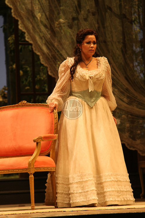 La Traviata dress rehearsal silver cast