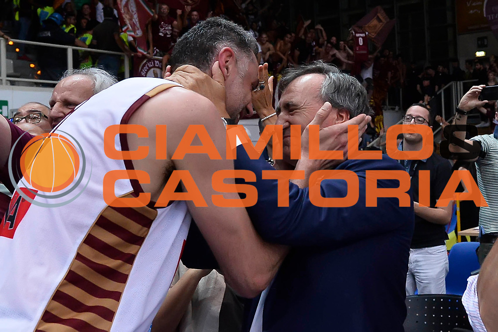 esultanza Umana Reyer Venezia<br /> Dolomiti Energia Aquila Basket Trento - Umana Reyer Venezia<br /> Playoff Gara 6<br /> Lega Basket 2016/2017<br /> Trento 20/06/2017<br /> Foto Ciamillo-Castoria