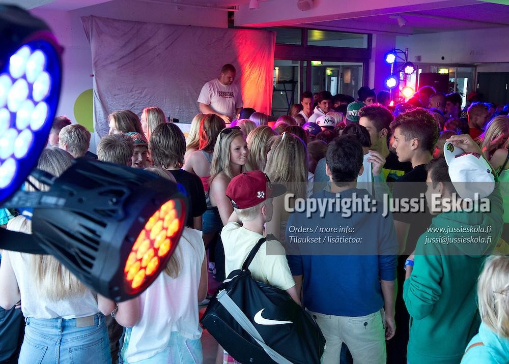 Kisadisko. Helsinki Cup 11.7.2012. Photo: Jussi Eskola