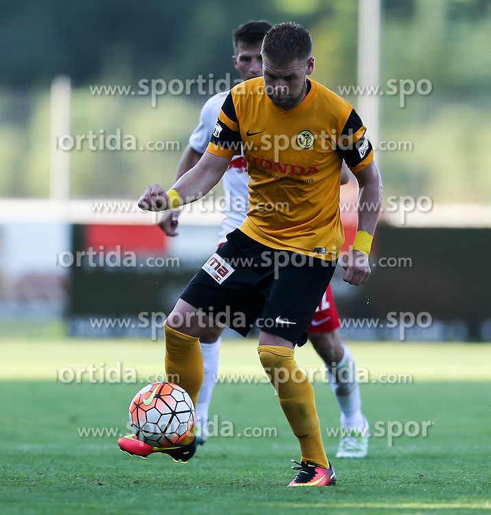 01.07.2016, Sportarena, Strasswalchen, AUT, Testspiel, FC Red Bull Salzburg vs BSC Young Boys, im Bild Yoric Ravet (BSC Young Boys Bern) // during a friendly football match between FC Red Bull Salzburg and BSC Young Boys at the Sportarena in Strasswalchen, Austria on 2016/07/01. EXPA Pictures © 2016, PhotoCredit: EXPA/ Roland Hackl