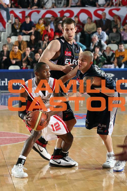 DESCRIZIONE : Varese Lega A1 2006-07 Whirlpool Varese Eldo Napoli<br /> GIOCATORE : Keys<br /> SQUADRA : Whirlpool Varese<br /> EVENTO : Campionato Lega A1 2006-2007<br /> GARA : Whirlpool Varese Eldo Napoli<br /> DATA : 01/04/2007<br /> CATEGORIA : Palleggio<br /> SPORT : Pallacanestro<br /> AUTORE : Agenzia Ciamillo-Castoria/S.Ceretti