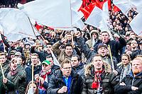 ROTTERDAM - Feyenoord - PSV , Voetbal , Eredivisie , Seizoen 2016/2017 , De Kuip , 26-02-2017 ,  Fanatieke supporters vlak voor de aftrap
