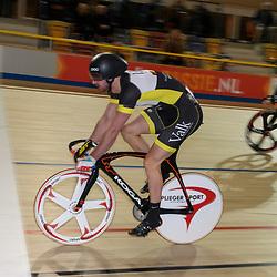 16-12-2016: Wielrennen: NK Baan Duur en Sprint: Apeldoorn (NED): Omnisport: Hugo Haak wint de kwartfinale sprint