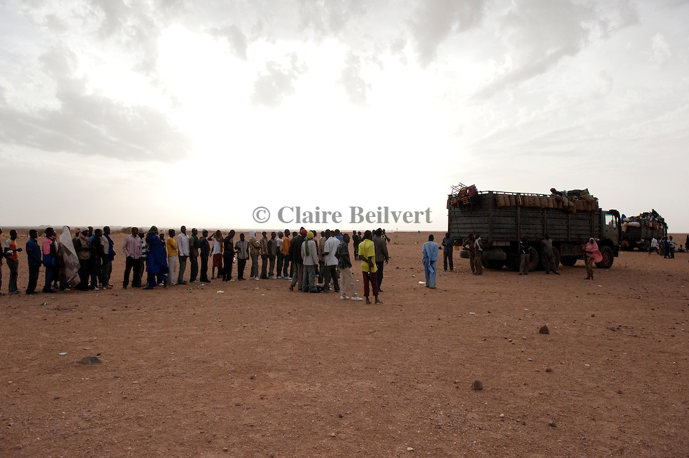 African illegal migrants in Agadez, just before leaving for Dirkou through the ténéré desert.
