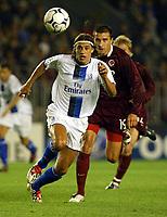 Fotball<br /> UEFA Champions League <br /> 16.09.2003<br /> Sparta Praha v Chelsea<br /> NORWAY ONLY<br /> Foto: Scott Heavey, Digitalsport<br /> <br /> Hernan Crespo sprints to the ball
