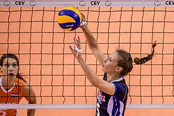 26-05-2017 NED: Nederland - Italie, Apeldoorn<br /> Kick off voor het Nederlands vrouwenteam begon met een oefenwedstrijd in Apeldoorn. Italië werd met 3-1 verslagen / Ofelia Malinov #5