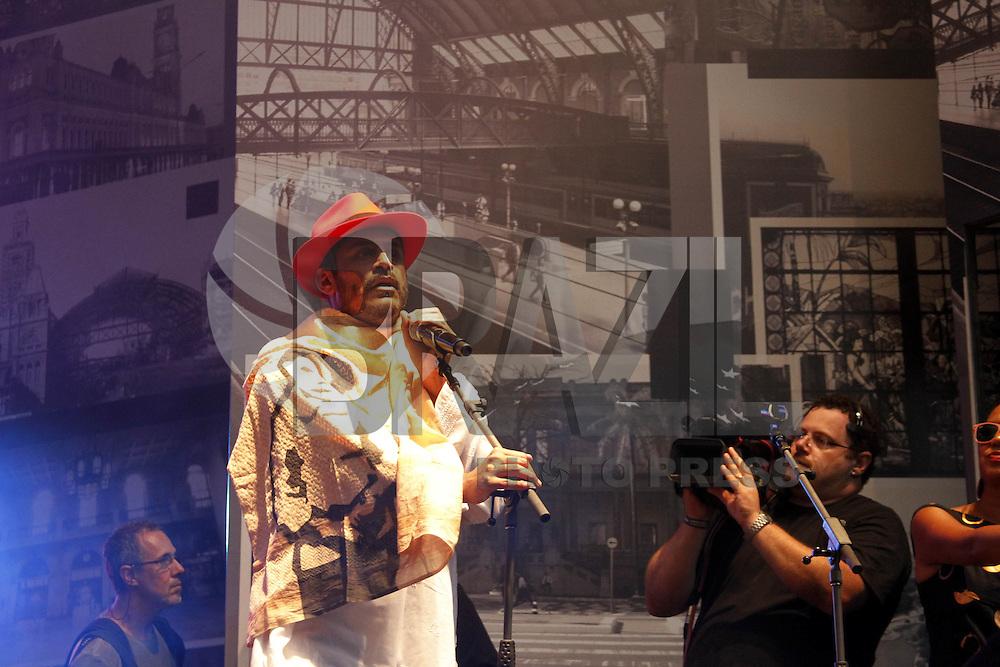SAO PAULO, SP, 25 DE JANEIRO 2013 - SHOW 459 ANOS DE SÃO PAULO - ANHANGABAÚ - São Paulo completa 459 anos nessa sexta,25 e conta com o Show de Criolo. (FOTO: PADUARDO / BRAZIL PHOTO PRESS).