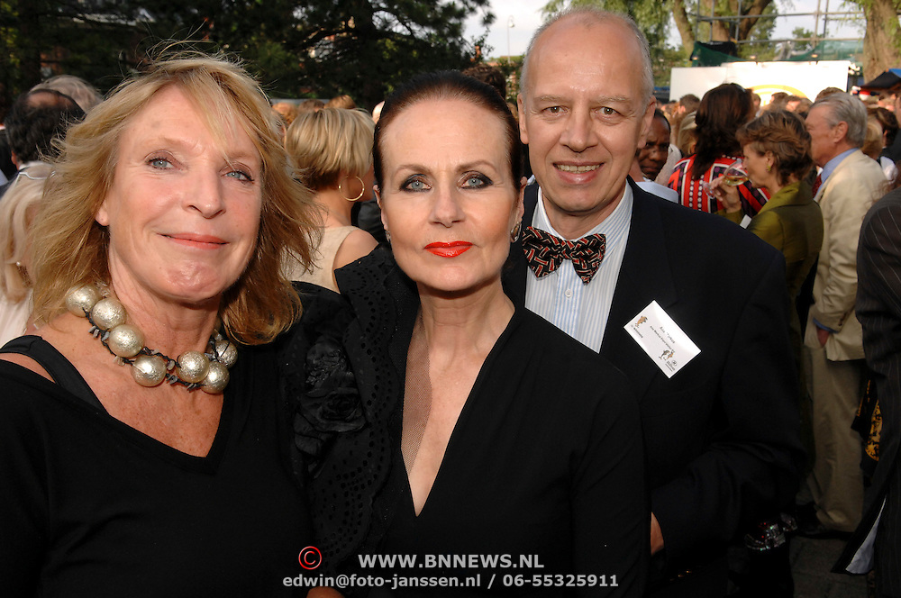 NLD/Amsterdam/20070606 - Wegener Haringparty Hilton 2007, Ans Markus en partner Wybe Tuinman