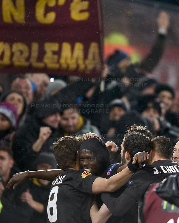 26-02-2015 NED: Europa League Feyenoord - AS Roma, Rotterdam<br /> Feyenoord is er niet in geslaagd de achtste finales van de Europa League te bereiken. De club verloor voor eigen publiek van AS Roma: 1-2 / Gervinho #27 scoort de 2-1.