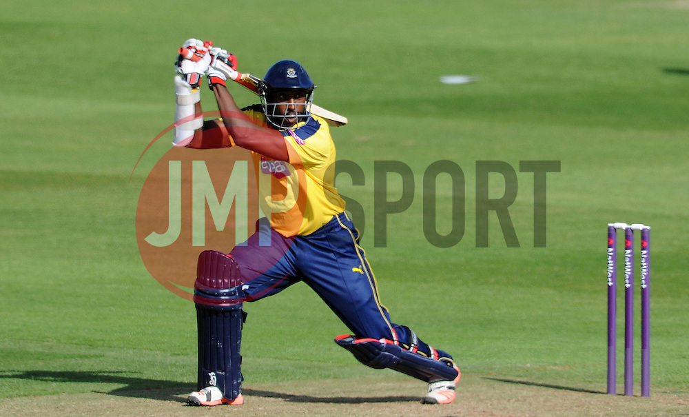 Hampshire's Michael Carberry cuts the ball - Photo mandatory by-line: Harry Trump/JMP - Mobile: 07966 386802 - 05/06/15 - SPORT - CRICKET - Somerset v Hampshire - The County Ground, Taunton, England.
