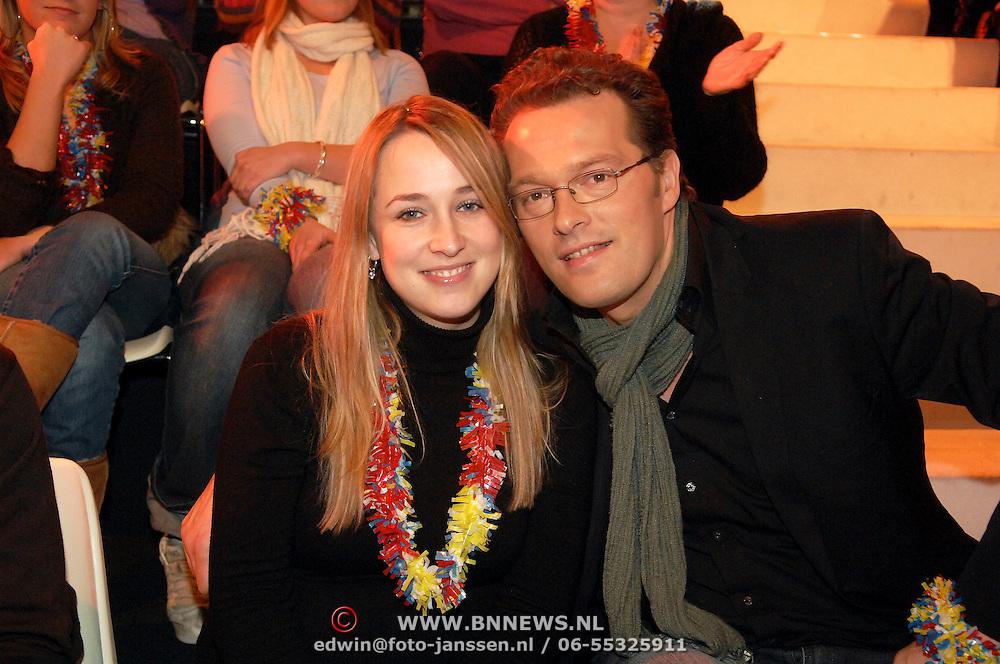 NLD/Hilversum/20070302 - 8e Live uitzending SBS Sterrendansen op het IJs 2007, Jeroen Latijnhouwers en partner Tineke de Ruiter