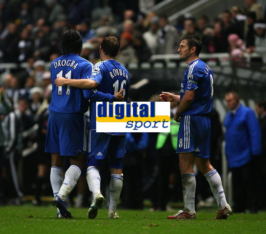 Photo: Andrew Unwin.<br /> Newcastle United v Chelsea. Carling Cup. 20/12/2006.<br /> Chelsea's Didier Drogba (L), Arjen Robben (C) and Frank Lampard (R) celebrate at the end of the game.