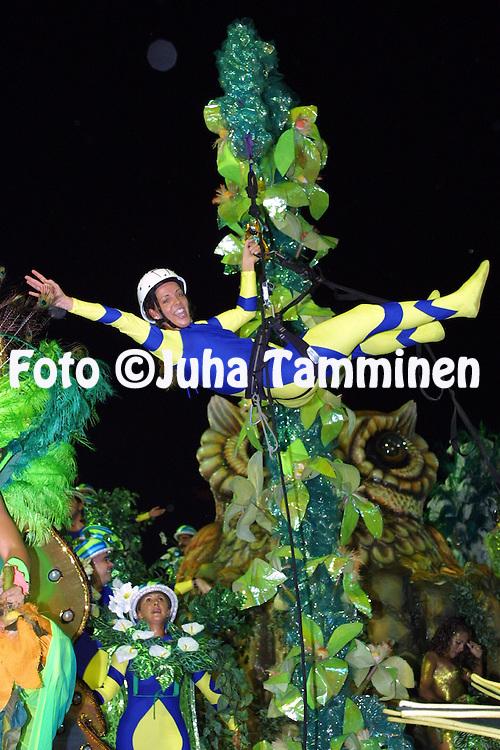 11.02.2002, Rio de Janeiro, Brazil..Carnaval 2002 - Desfile das Escolas de Samba, Grupo Especial / Carnival 2002 - Parades of the Samba Schools..Desfile de / Parade of:  G.R.E.S. S?o Clemente.©Juha Tamminen
