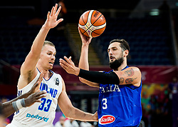 Erik Murphy of Finland vs Marco Belinelli of Italy during basketball match between National Teams of Finland and Italy at Day 10 in Round of 16 of the FIBA EuroBasket 2017 at Sinan Erdem Dome in Istanbul, Turkey on September 9, 2017. Photo by Vid Ponikvar / Sportida