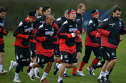 CHESTER, ENGLAND - Monday, February 4, 2008: Wales' Robert Earnshaw and Freddy Eastwood training at the Carden Park Hotel ahead of their friendly match against Norway. (Photo by David Rawcliffe/Propaganda)