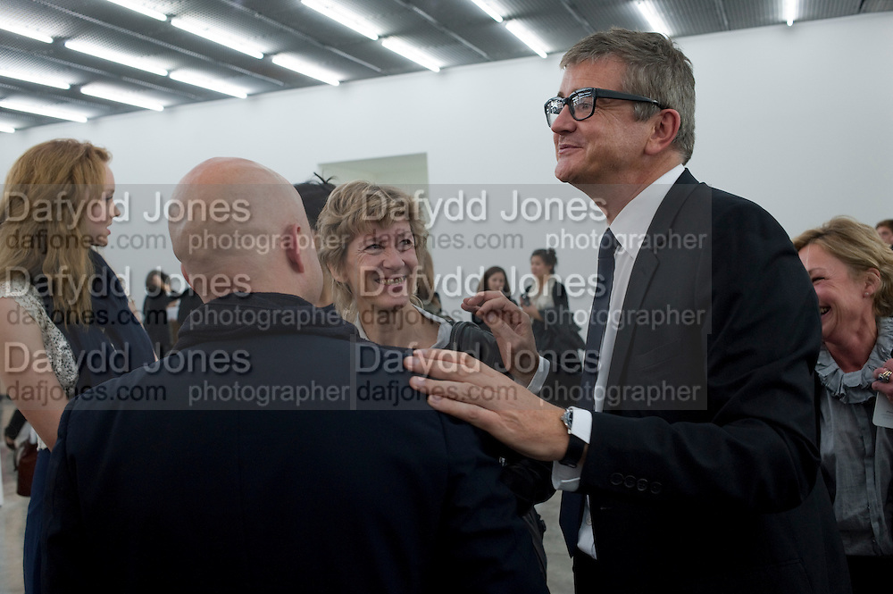 SAM KELLER; JAY JOPLING;, Opening of new White Cube Gallery in Bermondsey. London. 11 October 2011. <br /> <br />  , -DO NOT ARCHIVE-© Copyright Photograph by Dafydd Jones. 248 Clapham Rd. London SW9 0PZ. Tel 0207 820 0771. www.dafjones.com.