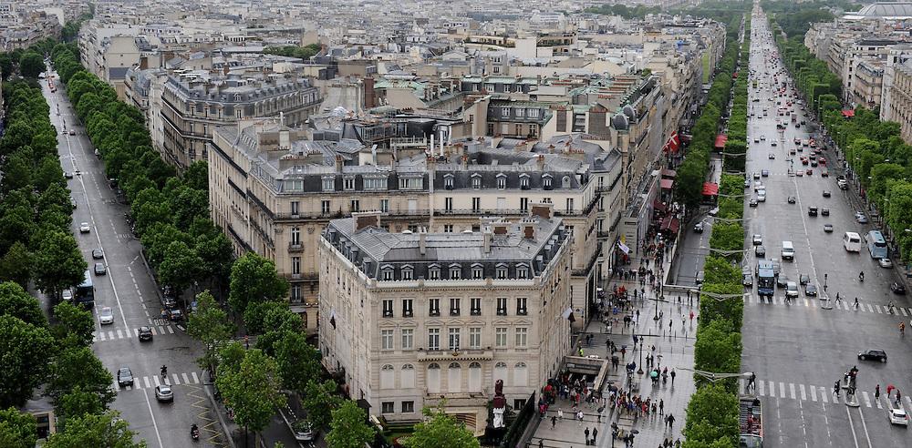 Champs-Elysées, Paris.