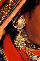 Inde - Rajasthan - Region de Ghanerao - Boucle d'oreille - Bijoux // India. Rajasthan. Ghanerao area. Earring.