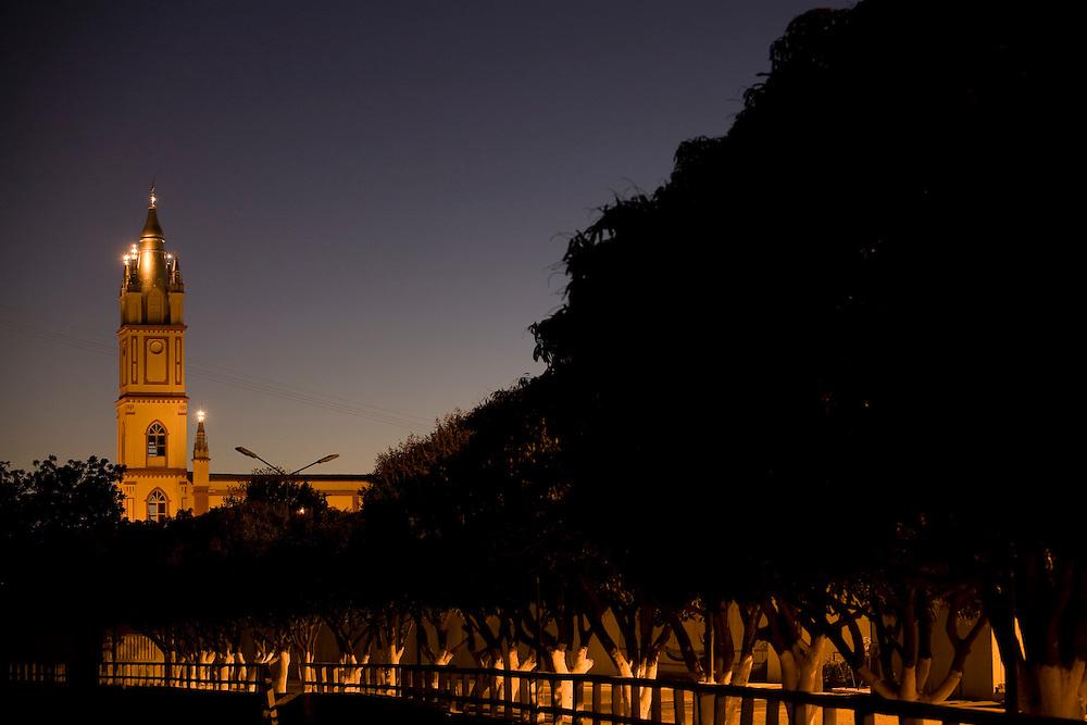Sao Francisco_MG, Brasil..Matriz Sao Jose em Sao Francisco, Minas Gerais...The Sao Jose Mother church in Sao Francisco, Minas Gerais...Foto: LEO DRUMOND / NITRO