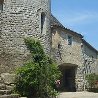 EN> The square by the romanic church in the medieval town of Balazuc, France. |<br /> SP> La plaza de la iglesia románica en el pueblo medieval de Balazuc, Francia