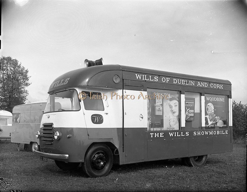 Wills Showmobile at Clondalkin, Dublin.<br /> 20.04.1961