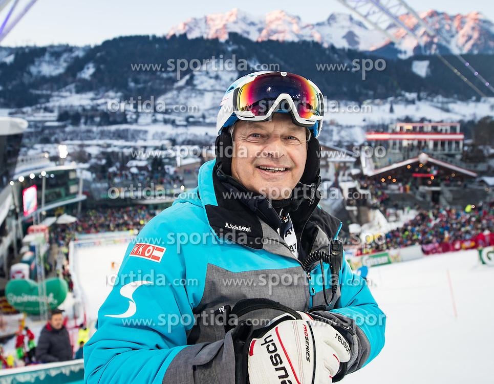 24.01.2017, Planai, Schladming, AUT, FIS Weltcup Ski Alpin, Schladming, Slalom, Herren, 1. Lauf, im Bild Hans Pum (ÖSV Sportdirektor) // Hans Pum Austrian Ski Association sporting director during the 1st run of men's Slalom of FIS ski alpine world cup at the Planai in Schladming, Austria on 2017/01/24. EXPA Pictures © 2017, PhotoCredit: EXPA/ Johann Groder