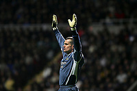 Photo: Andrew Unwin.<br /> Newcastle United v Charlton Athletic. The Barclays Premiership. 22/02/2006.<br /> Newcastle's goalkeeper, Shay Given.