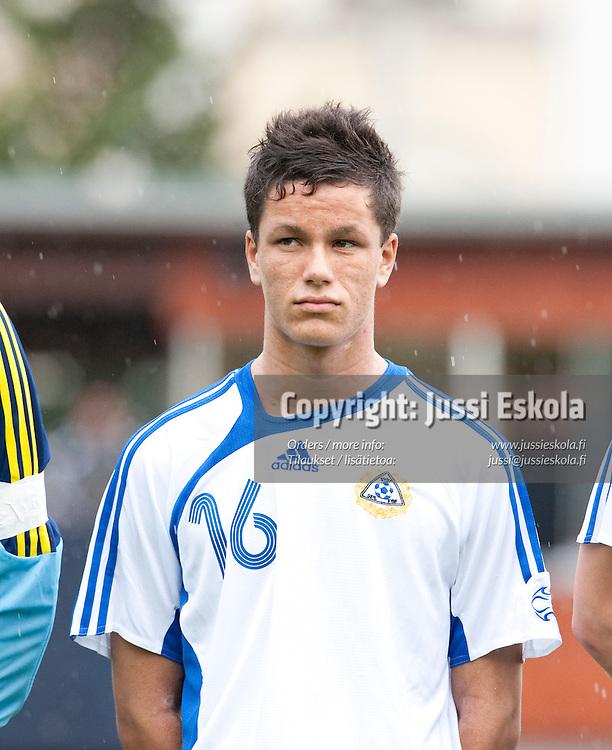 Kalle Laaksonen. Suomi - Viro. Alle 17-vuotiaiden maaottelu. U17. Helsinki 16.9.2009. Photo: Jussi Eskola