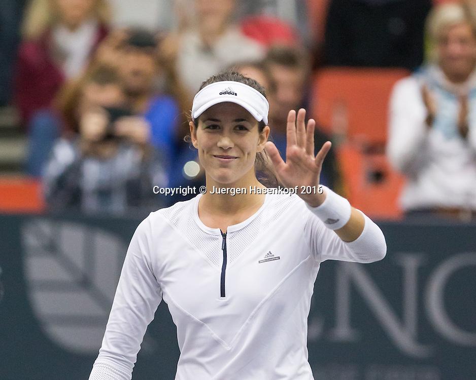 GARBI&Ntilde;E MUGURUZA (ESP) winkt und bedankt sich beim Publikum nach ihrem Sieg, Emotion,<br /> <br /> Tennis - Ladies Linz 2016 - WTA -  TipsArena  - Linz - Oberoesterreich - Oesterreich - 12 October 2016. <br /> &copy; Juergen Hasenkopf