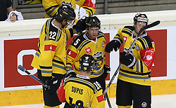 29.08.2015, Albert Schultz Eishalle, Wien, AUT, CHL, UPC Vienna Capitals vs Krefeld Pinguine, im Bild Oliver Mebus (Krefeld Pinguinie) , Christian Kretschmann (Krefeld Pinguinie) Thomas Supis (Krefeld Pinguinie) und Daniel Pietta (Krefeld Pinguinie) // during the Champions Hockey League match between UPC Vienna Capitals and Krefeld Pinguine at the Albert Schultz Ice Arena, Vienna, Austria on 2015/08/29. EXPA Pictures © 2015, PhotoCredit: EXPA/ Alexander Forst