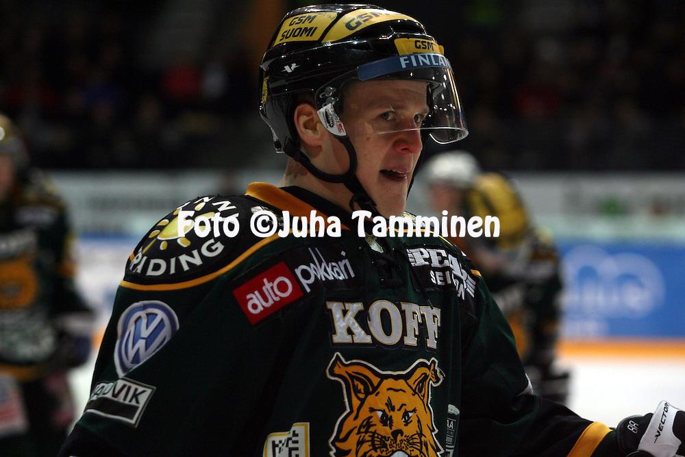 12.02.2009, Hakamets?n j??halli, Tampere..J??kiekon SM-liiga 2008-09..Ilves - KalPa.Miikka M?nnikk? - Ilves.©Juha Tamminen.