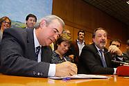 Larrañaga, campaña recoleccion de firmas para reforma de la Constitución