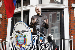 May 19, 2017 - London - Wikileaks founder JULIAN ASSANGE speaks on the balcony of Ecuadorian embassy in London where has been living since 2012. Today the Swedish authorities have announced that they are dropping their investigation into rape allegations against him. (Credit Image: © Tolga Akmen/London News Pictures via ZUMA Wire)