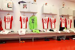 08.11.2014, SGL Arena, Augsburg, GER, 1. FBL, FC Augsburg vs SC Paderborn 07, 11. Runde, im Bild Kabine, FC Augsburg, Trikot, l-r: Sascha Moelders #33 (FC Augsburg), Daniel Baier #10 (FC Augsburg), Marwin Hitz #35 (FC Augsburg), Jeong-Ho Hong #20 (FC Augsburg), Nikola Djurdjic #34 (FC Augsburg), Abdul Rahman Baba #12 (FC Augsburg), Markus Feulner #8 (FC Augsburg), // during the German Bundesliga 11th round match between FC Augsburg and SC Paderborn 07 at the SGL Arena in Augsburg, Germany on 2014/11/08. EXPA Pictures © 2014, PhotoCredit: EXPA/ Eibner-Pressefoto/ Kolbert<br /> <br /> *****ATTENTION - OUT of GER*****