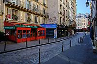 France, Paris (75), quartier Saint Michel, la rue de la Harpe durant le confinement du Covid 19 // France, Paris, Saint Michel district, rue de la Harpe during the lockdown of Covid 19