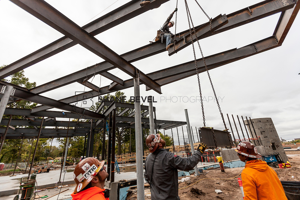10/7/16 10:01:53 AM -- Steel installation on the Williams Lodge, foundations in the Adventure Playground, Peggy's Pond<br /> <br /> Photo by Shane Bevel