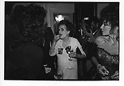 Margaret Duchess of Argyll. Baroness Di Portonova. Drinks for Joan Collins. at Claridges. 11/10/88 SUPPLIED FOR ONE-TIME USE ONLY> DO NOT ARCHIVE. © Copyright Photograph by Dafydd Jones 66 Stockwell Park Rd. London SW9 0DA Tel 020 7733 0108 www.dafjones.com