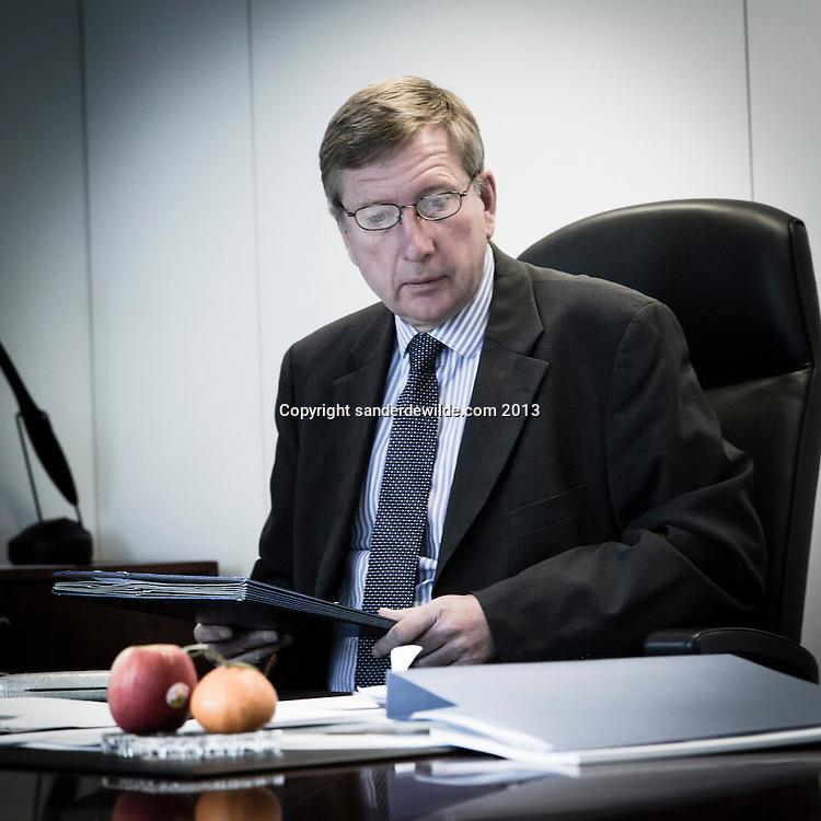 Pierre DELSAUX <br /> Director General for Single market policy . Directeur de la DG March&eacute; int&eacute;rieur et services