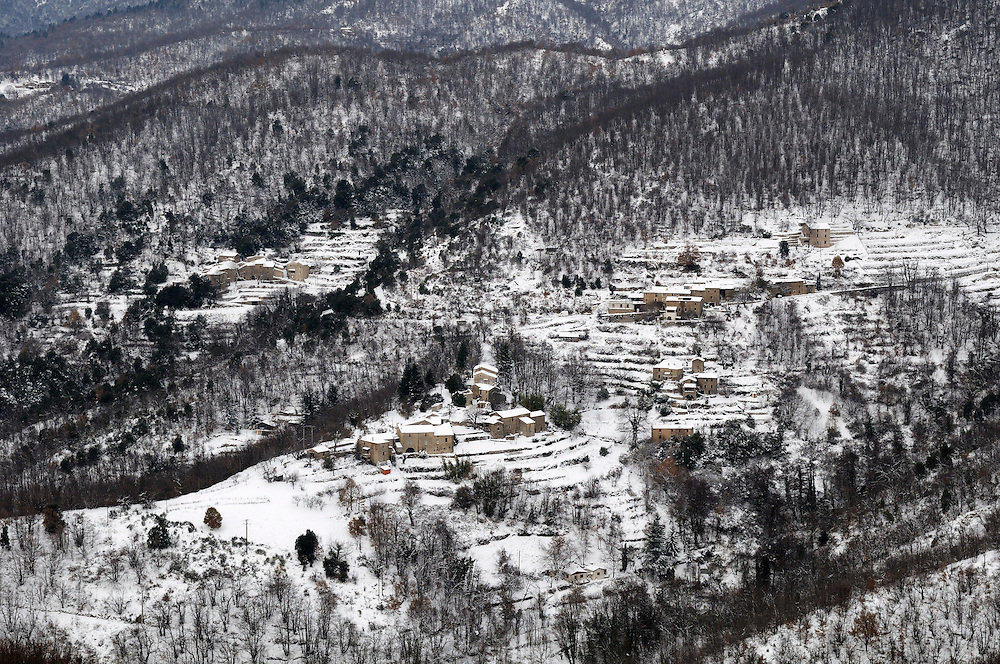 France, Languedoc Roussillon, Gard, Cévennes, hiver, vallée du Rieutord