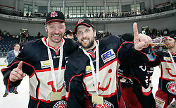25.04.2010, TUI Arena, Hannover, GER, DEL, Hannover Scorpions vs Augsburger Panther, Play Off, im Bild Aris Brimanis (Hannover #6) und Martin Hlinka (Hannover #14) EXPA Pictures © 2010, PhotoCredit: EXPA/ nph/  Schrader / SPORTIDA PHOTO AGENCY