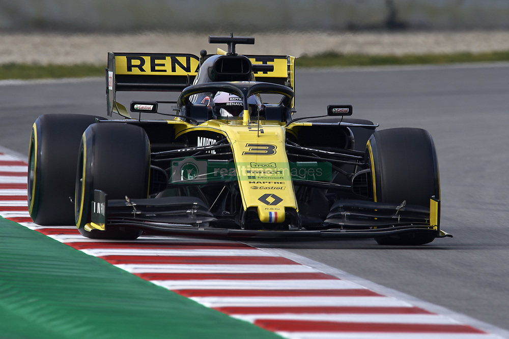 February 19, 2019 - Barcelona, Barcelona, Spain - Daniel Ricciardo of Australia driving the (3) Renault F1 Team RS19 during day two of F1 Winter Testing at Circuit de Catalunya on February 19, 2019 in Montmelo, Spain. (Credit Image: © Jose Breton/NurPhoto via ZUMA Press)