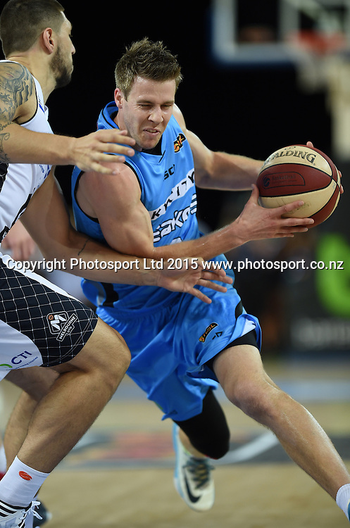 Tom Abercrombie in action during the SkyCity Breakers v Melbourne United match. 2014/15 ANBL Basketball Season. Vector Arena, Auckland, New Zealand. Sunday 18 January 2015. Copyright Photo: Andrew Cornaga / www.photosport.co.nz