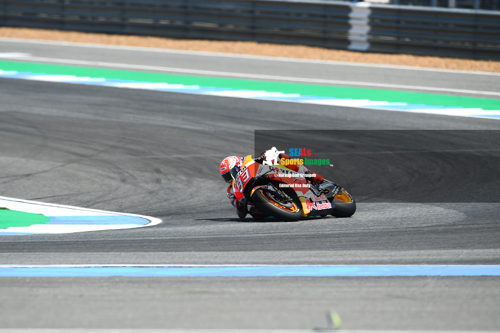 BURIRAM, THAILAND - OCTOBER 06: Marc Marquez (93) of Spain and Repsol Honda Team in Turn 12 during FP3 at the MotoGP PTT Thailand Grand Prix 2018, Chang International Circuit, Buriram, Thailand on October 06, 2018. <br /> .<br /> .<br /> .<br /> (Photo by: Naratip Golf Srisupab/SEALs Sports Images)<br /> .<br /> Any image use must include a mandatory credit line adjacent to the content which should read: Naratip Golf Srisupab/SEALs Sports Images