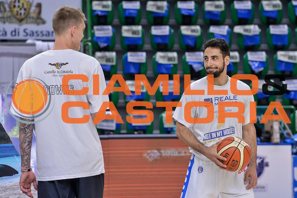 DESCRIZIONE : Beko Legabasket Serie A 2015- 2016 Dinamo Banco di Sardegna Sassari - Pasta Reggia Juve Caserta<br /> GIOCATORE : Micah Downs Rok Stipcevic<br /> CATEGORIA : Fair Play Before Pregame<br /> SQUADRA : Dinamo Banco di Sardegna Sassari<br /> EVENTO : Beko Legabasket Serie A 2015-2016<br /> GARA : Dinamo Banco di Sardegna Sassari - Pasta Reggia Juve Caserta<br /> DATA : 03/04/2016<br /> SPORT : Pallacanestro <br /> AUTORE : Agenzia Ciamillo-Castoria/L.Canu