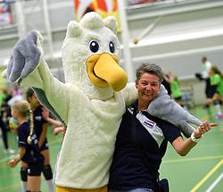 12-03-2016 NED: Finale NOJK CMV, Wijchen<br /> In de Arcussporthal te Wijchen streden de jongens en meisjes CMV / Saskia van Hintum en Spikey