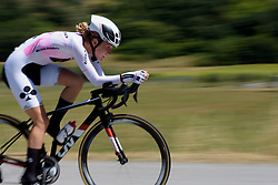 Floortje Mackaij picks up speed on Stage 5 of the Giro Rosa - a 12.7 km individual time trial, starting and finishing in Sant'Elpido A Mare on July 4, 2017, in Fermo, Italy. (Photo by Sean Robinson/Velofocus.com)