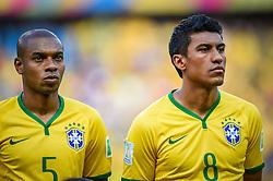 Fernandinho e Paulinho na partida entre Brasil x Colombia, válida pelas quartas de final da Copa do Mundo 2014, no Estádio Castelão, em Fortaleza-CE. FOTO: Jefferson Bernardes/ Agência Preview