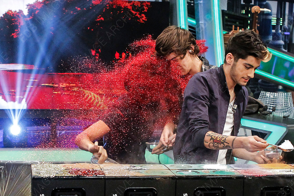 30.OCTOBER.2012. MADRID<br /> <br /> NIALL HORAN, ZAYN MALIK, LIAM PAYNE, HARRY STYLES AND LOUIS TOMLINSON OF ONE DIRECTION ATTENDING EL HORMIGUERO TV SHOW IN MADRID, SPAIN.<br /> <br /> BYLINE: EDBIMAGEARCHIVE.CO.UK<br /> <br /> *THIS IMAGE IS STRICTLY FOR UK NEWSPAPERS AND MAGAZINES ONLY*<br /> *FOR WORLD WIDE SALES AND WEB USE PLEASE CONTACT EDBIMAGEARCHIVE - 0208 954 5968*